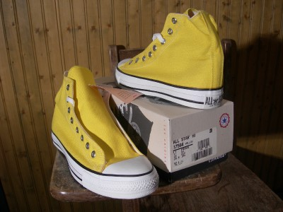 VINTAGE CONVERSE CHUCK TAYLOR ALL STARS MADE IN THE USA