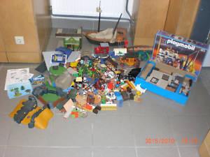 Großes Playmobil Paket-Gebäude-Figuren +Beschreibungen