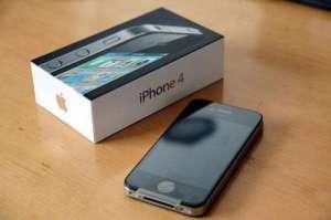 iPhone 4 (16GB) - Locked to THREE NETWORK UK