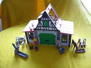 PLAYMOBIL   ALTER BAUERNHOF
