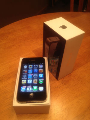 Apple iPhone 4 - 16GB - Black (AT&T) Smartphone USED - iOS 5 - No Reserve