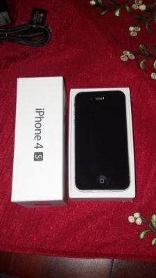UNLOCKED Black iPhone 4s 32GB