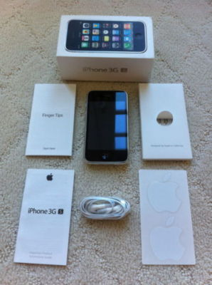 Apple iPhone 3G - 16GB - White (AT&T) Smartphone