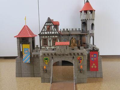 !!! Playmobil Ritterburg mit Zubehör !!!