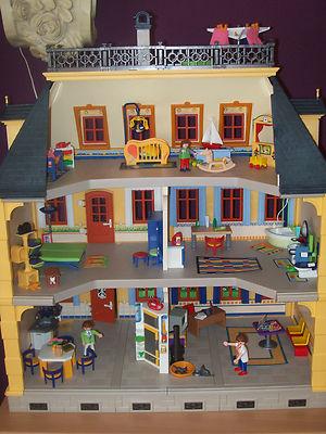 Playmobil Puppenhaus 5301 mit Möbel und Viiiel Zubehör!!