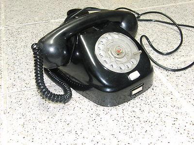 altes Bakelit - Telefon aus DDR - Büro funktionstüchtig mit Bakelit-Wanddose !!