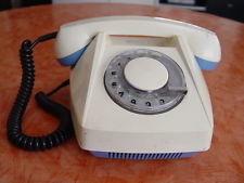 Altes Telefon mit Wählscheibe Sammlerstück anschauen !!!!